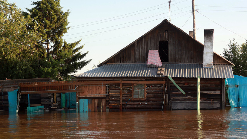 МЧС: уровень реки Ия в Тулунском районе понизился ниже края дамбы