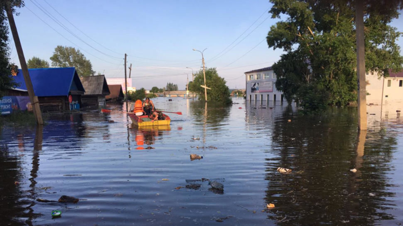 В половине посёлков Иркутской области восстановили электроснабжение