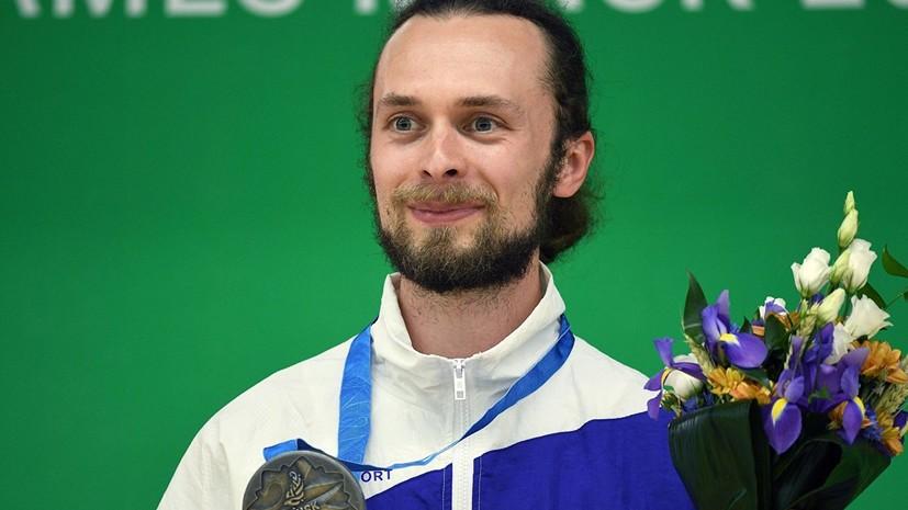 Знаменосец сборной России на церемонии закрытия Европейских игр рассказал о весе флага