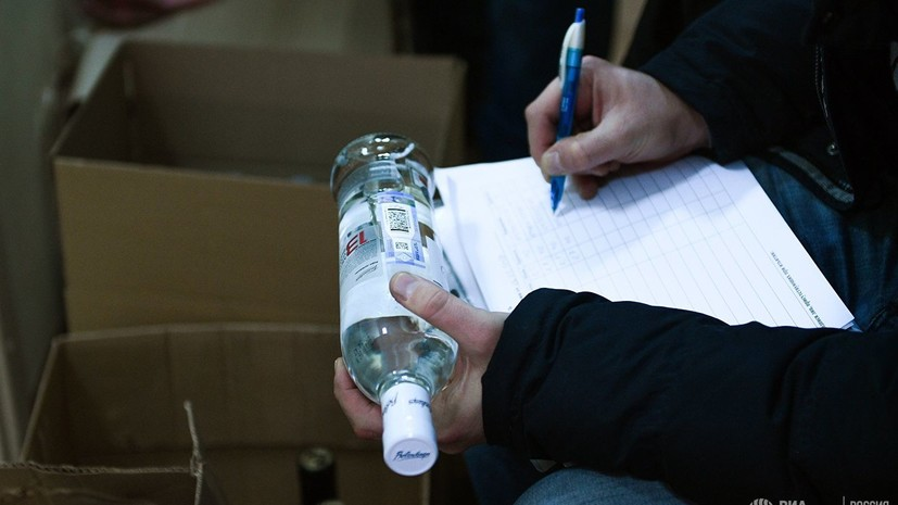 В Ленобласти пресекли работу цеха по производству контрафактного алкоголя