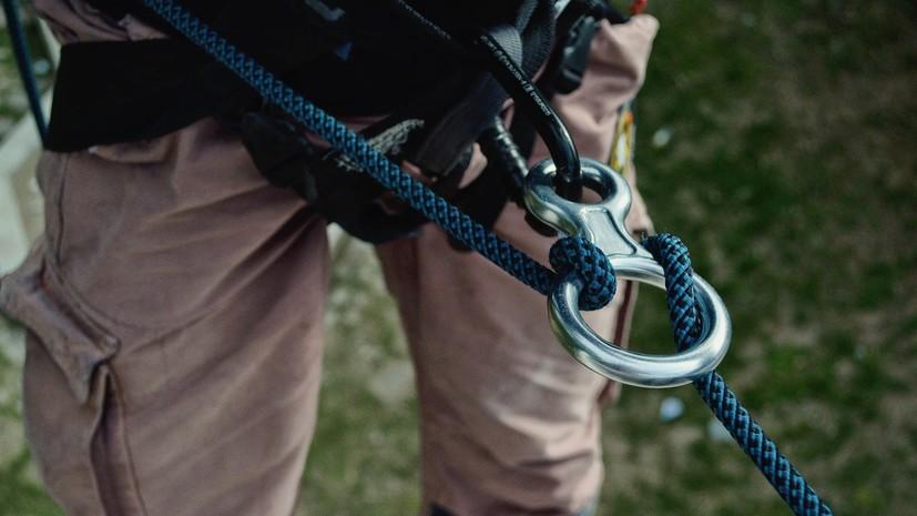 В лагере альпинистов в Киргизии мужчина убил двух человек и взял заложницу