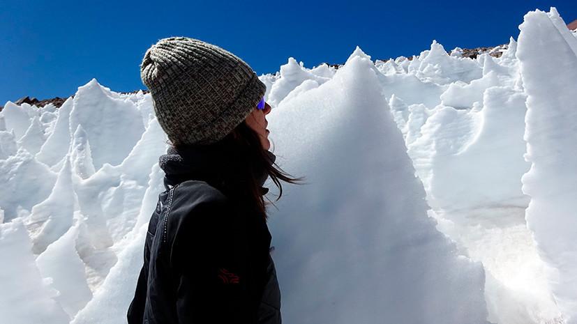 Красный снег: учёные обнаружили жизнь на леднике высокогорного вулкана в пустыне Атакама