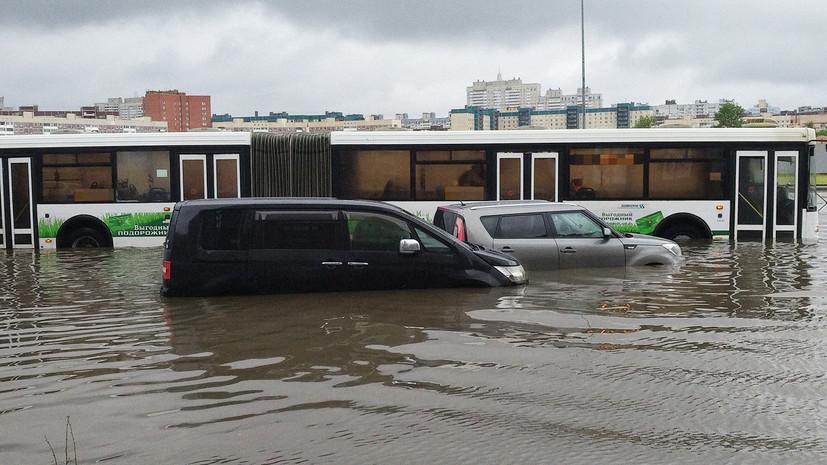 Власти Петербурга проверили состояние ливневой канализации на севере города