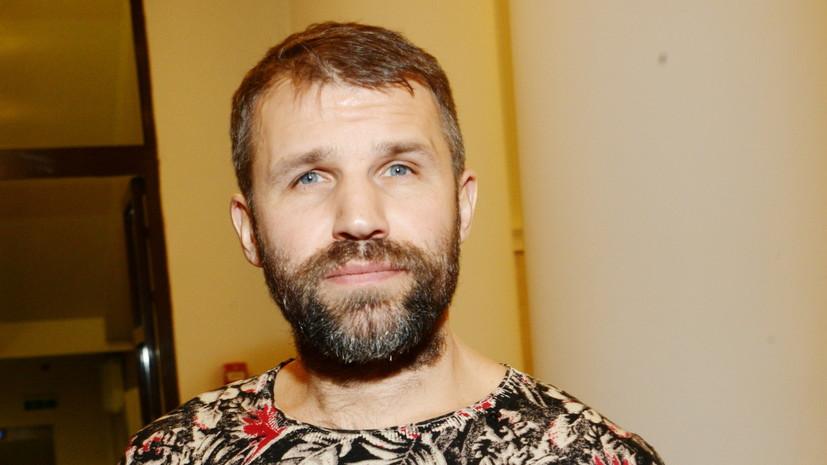 Актёра фильма «Легенда №17» оштрафовали за хулиганство в аэропорту