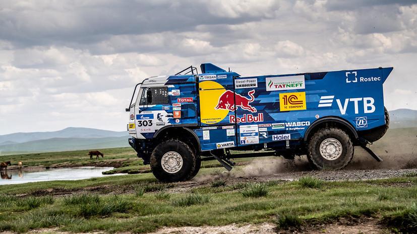 Экипаж Шибалова занял второе место на шестом этапе «Шёлкового пути»