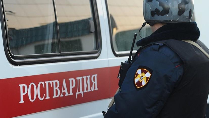 Власти рассказали о состоянии пострадавшего в Якутии полицейского