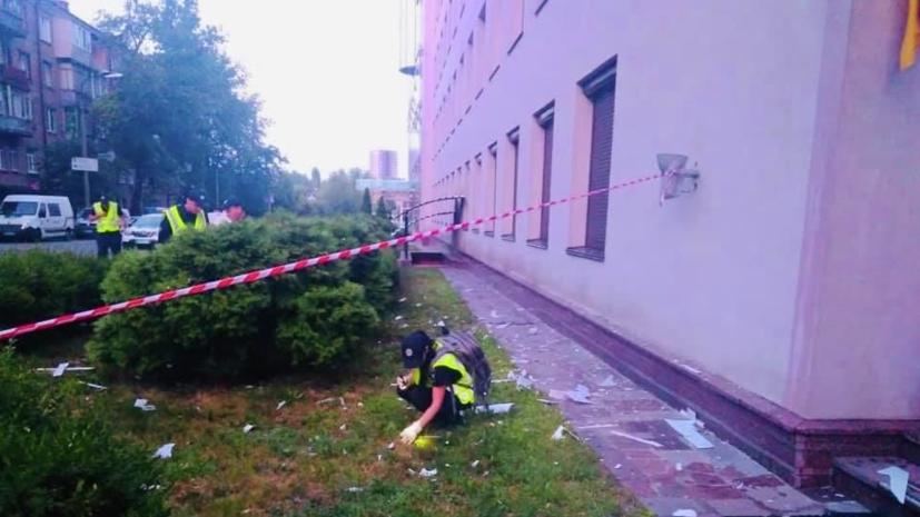 На Украине призвали СБУ расследовать обстрел здания телеканала