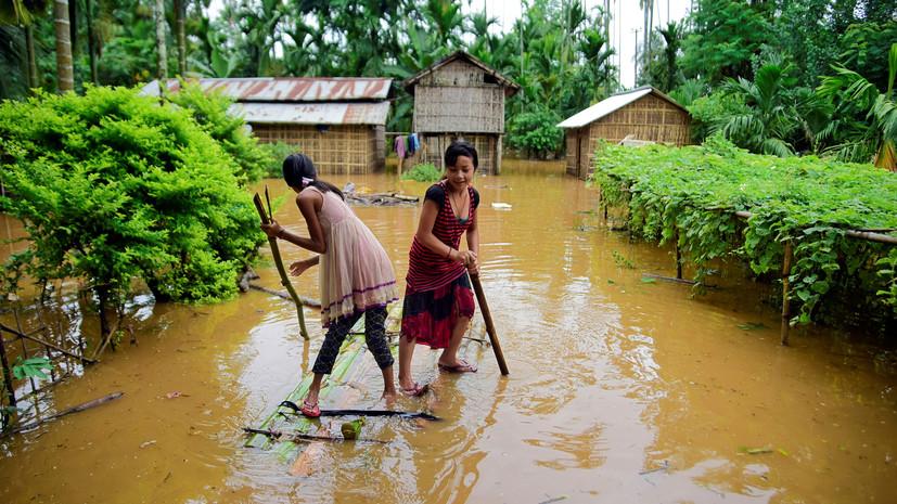 Шесть человек погибли из-за наводнения в Индии