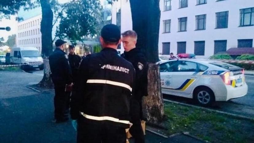 СМИ опубликовали кадры обстрела здания телеканала в Киеве