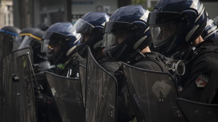 В Париже после парада по случаю Дня взятия Бастилии начались беспорядки