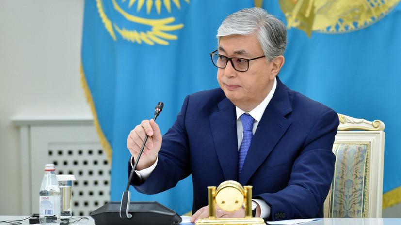Токаев объявил выговор министру обороны после ЧП на арсенале