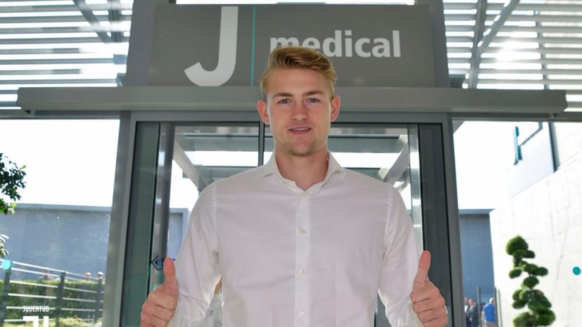 Футболист де Лигт прибыл на медосмотр для «Ювентуса»