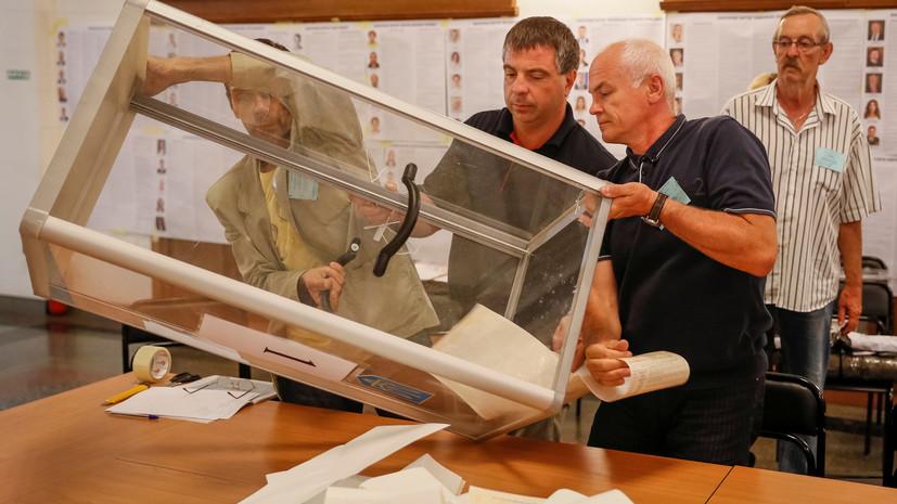 Партия Зеленского набирает более 42% после обработки 50% бюллетеней