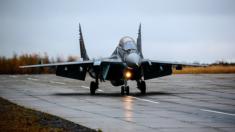Азербайджан остановил тренировочные полёты после крушения МиГ-29