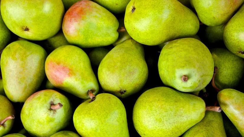 Россия приостановит ввоз груш и персиков из Китая