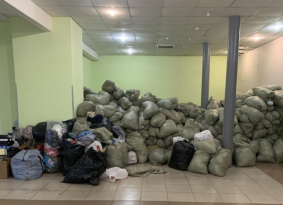 Склад с гуманитарной помощью в Тулуне