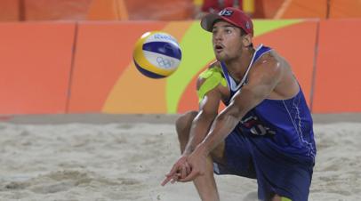 Красильников и Стояновский вышли в полуфинал ЧМ по пляжному волейболу