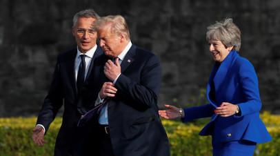 Президент США Дональд Трамп, генсек НАТО Йенс Столтенберг и премьер-министр Великобритании Тереза Мэй, саммит НАТО в Брюсселе, июль 2018-го