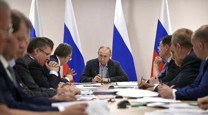 «Исключить чванство и хамство»: Путин раскритиковал ход работ по ликвидации последствий паводка в Иркутской области