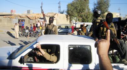 Боевики «Аль-Каиды» на улицах Фаллуджи