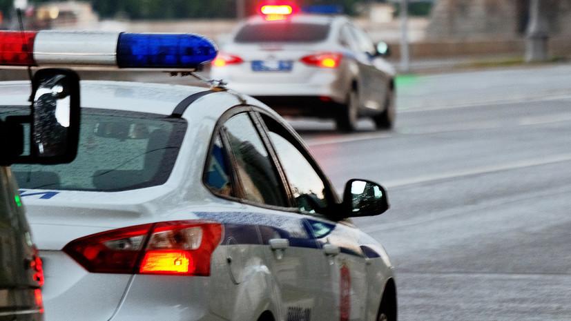 В Сургуте неизвестный напал с ножом на полицейских