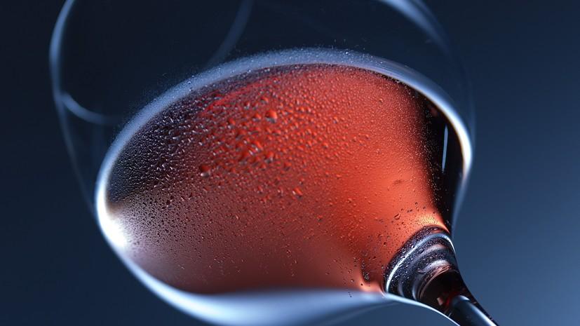 Эксперт заявил об отсутствии пользы вина для здоровья