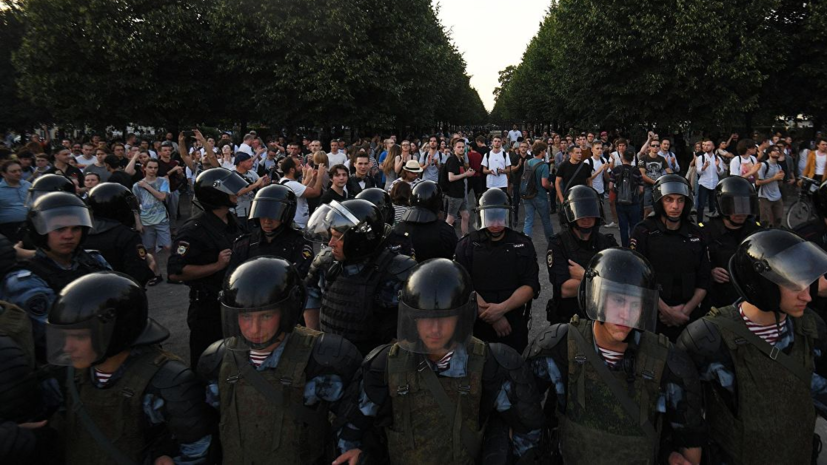 В Кремле дали оценку действиям полиции на акциях в Москве