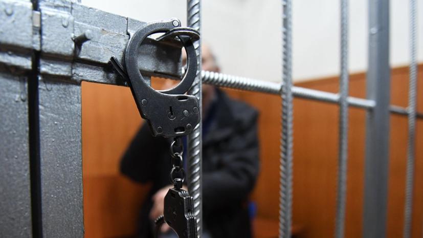 В Приморье избивший до смерти двухлетнюю девочку отчим взят под стражу