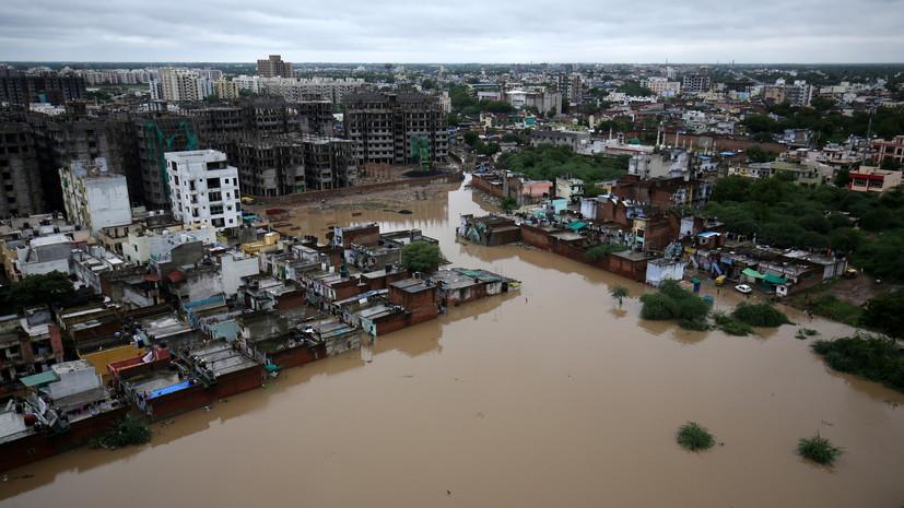 Число жертв наводнений в Индии превысило 270