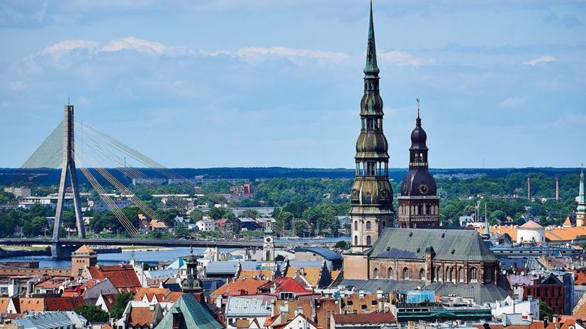 В России осудили переход системы образования Латвии на латышский язык