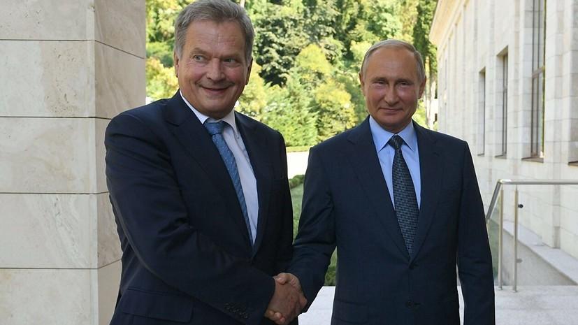 Президент Финляндии начал встречу с Путиным с приветствия на русском