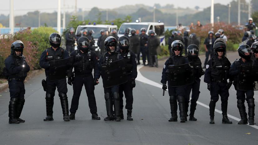 Полиция применила слезоточивый газ против противников саммита G7