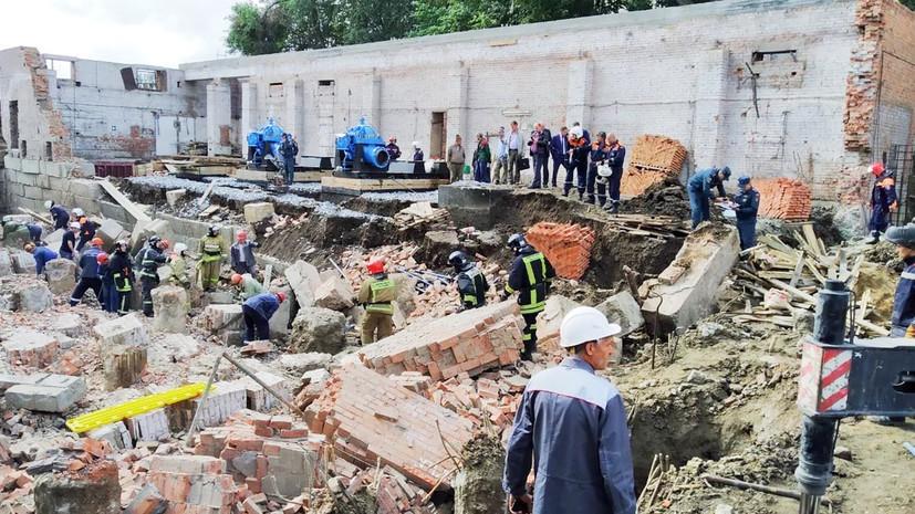 В Новосибирске на рабочих обрушилась стена здания