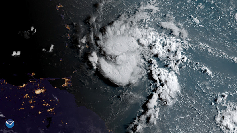 Тропический шторм «Дориан» в Атлантическом океане усилился до урагана