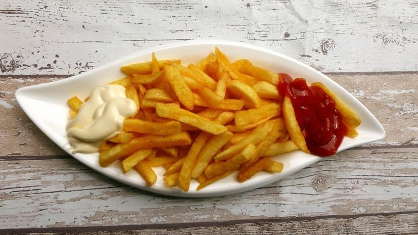 Роскачество предупредило об опасности чипсов и картофеля фри