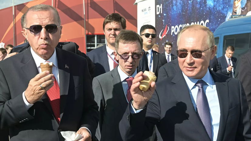 Продавщица мороженого объяснила вторую встречу с Путиным на МАКС