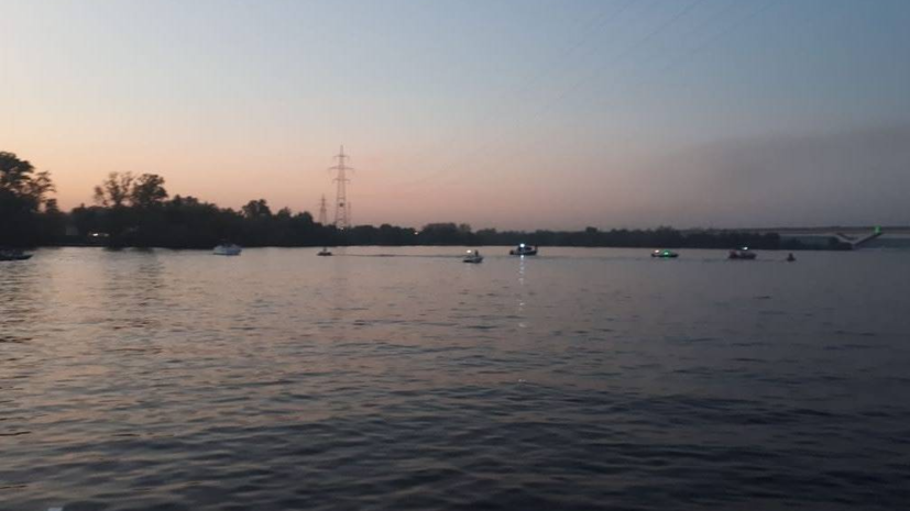 «Подняли тело»: вподмосковное водохранилище упал вертолет