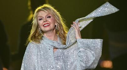 Певица Валерия получила травму на съёмках шоу «Голос. 60+»
