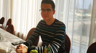 17-летний москвич третий год не может вернуть право на проданную матерью за долги квартиру