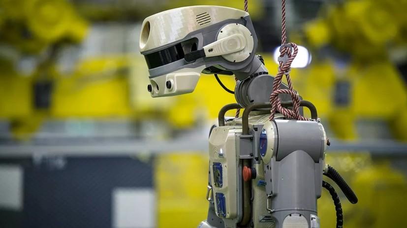 Робот FEDOR рассказал о работе с дрелью на МКС