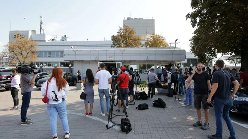 Зеленский прибыл в аэропорт Борисполь