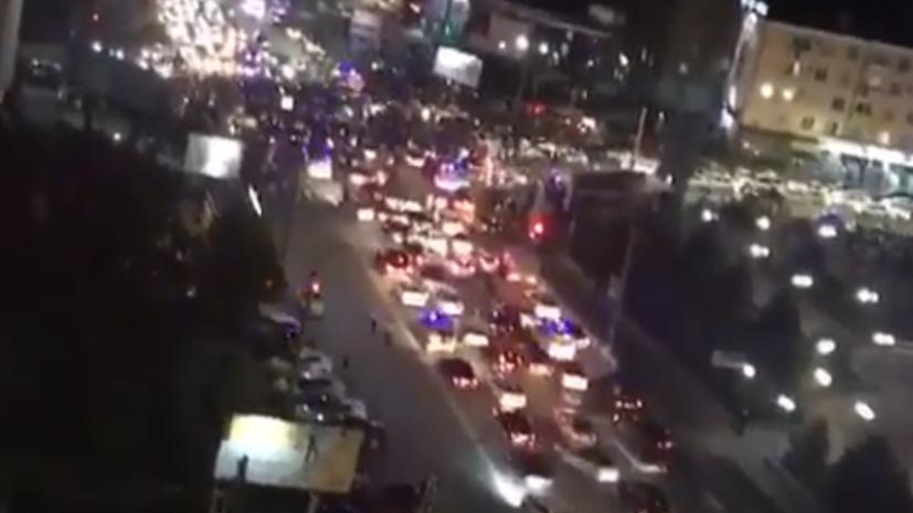 В Дагестане люди вышли на улицы праздновать победу Нурмагомедова