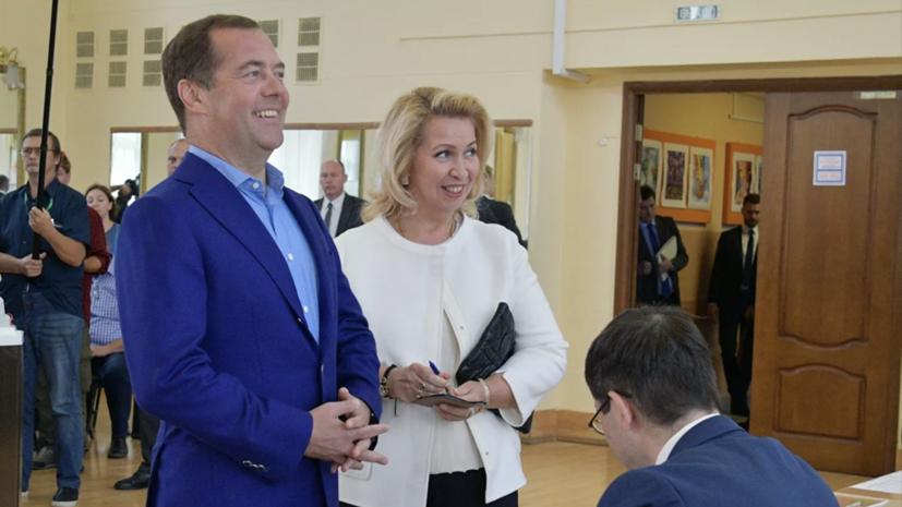 Медведев заявил, что доволен результатами выборов
