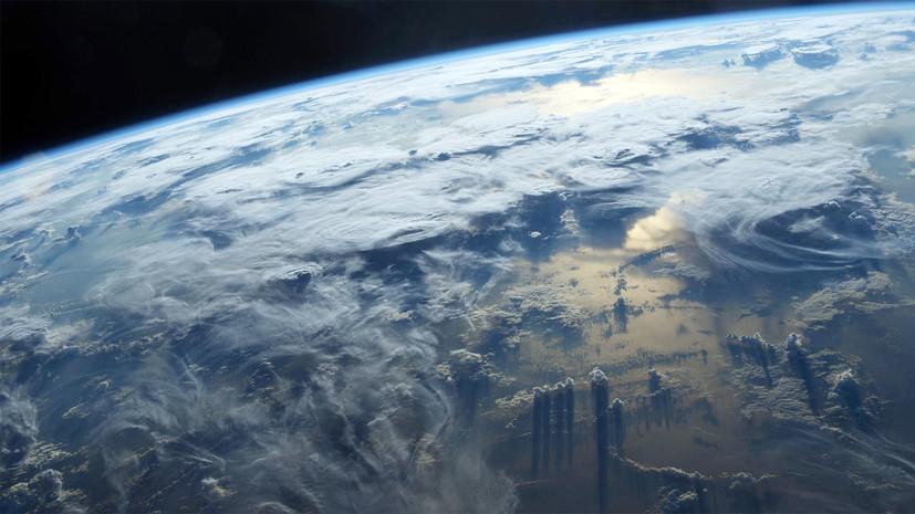 Китай успешно запустил три спутника