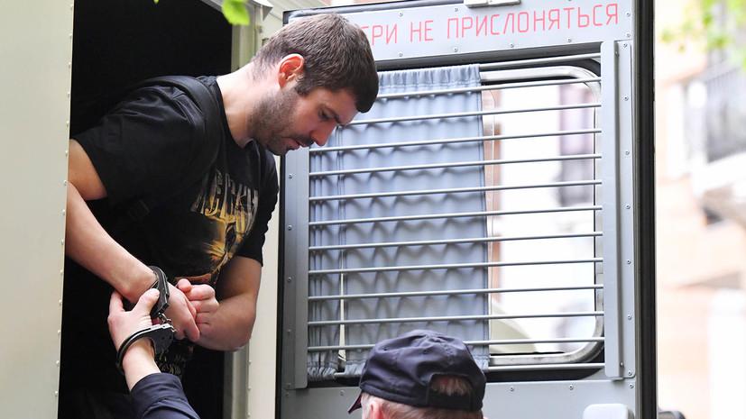 «Расправил своё спальное место после подъёма»: Протасовицкий может не получить УДО из-за нарушений в СИЗО
