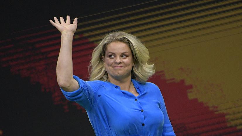 Навратилова поддержала решение Клейстерс вернуться в теннис