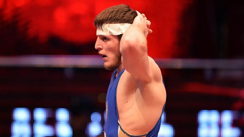 Манцигов стал чемпионом мира по греко-римской борьбе в весе до 72 кг