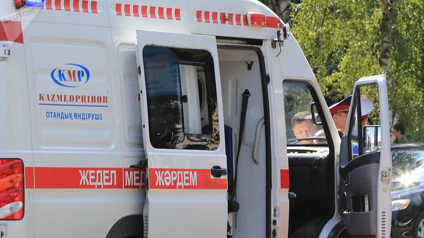 В Казахстане столкнулись автобус и поезд