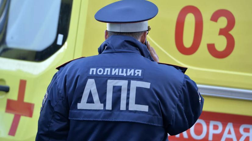 Семь человек пострадали в ДТП со скорой в Ростове-на-Дону