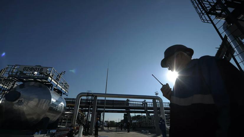 Жители посёлка в Крыму пожаловались на нефтебазу рядом с домами